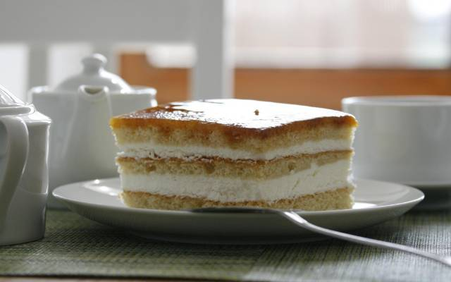 tarta de yema tostada y nata