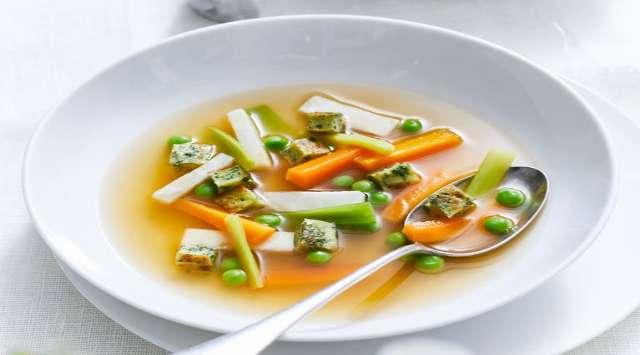 Sopa Vegetariana Fácil