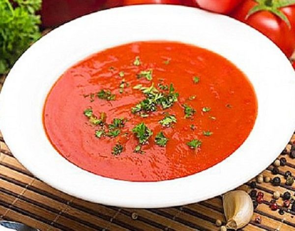 Sopa de tomate asado