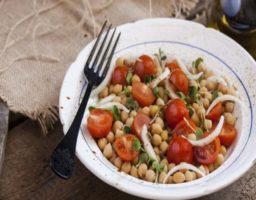 Garbanzos con Tomate y Cebolla