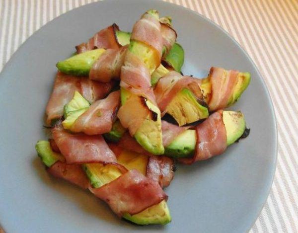 Aguacate con bacon