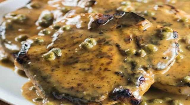 Chuletas de Cerdo con Salsa de Alcaparras