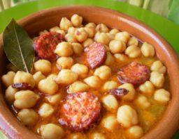 Receta de Sopa de garbanzos con chorizo