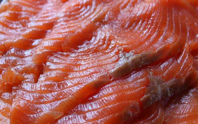 Ensalada de aguacate y salmón ahumado
