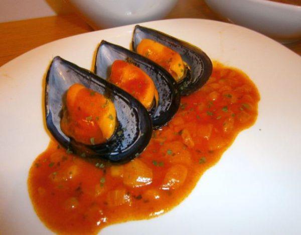 Receta de Mejillones con cebolla y tomate