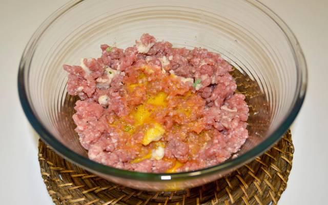 Albóndigas rellenas con huevo