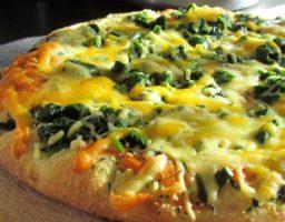 Receta de Pizza de espinaca con bechamel