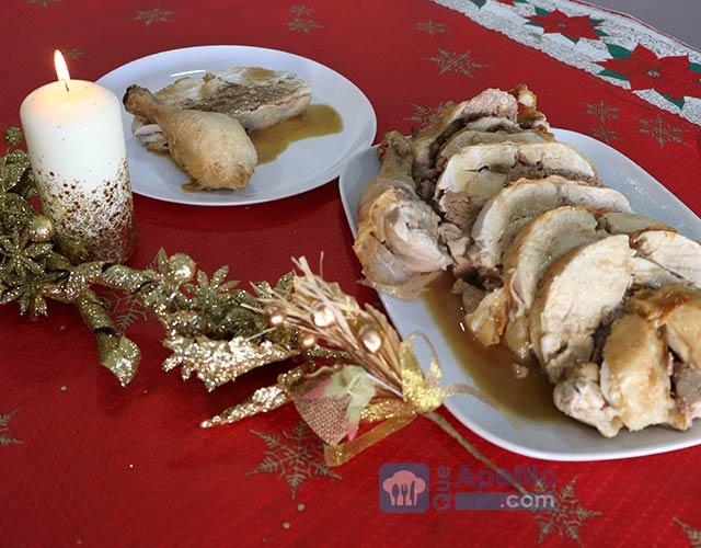 Pollo relleno al horno de navidad