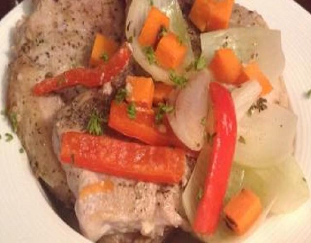 Chuletas al horno con verduras
