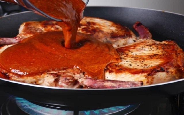 Chuletas a la BBQ a la sartén