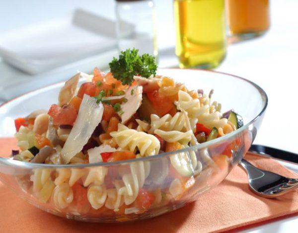 Receta de Ensalada de bonito fresco con pasta