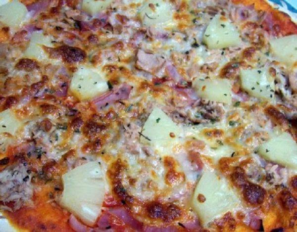 Pizza de atún y jamón york para niños