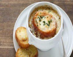 Sopa de cebolla y tomillo