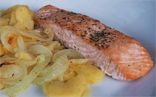 Salmón al horno sin aceite