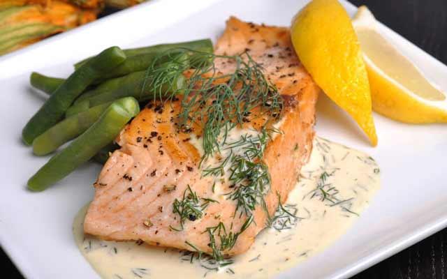 salmón al horno con crema de limón