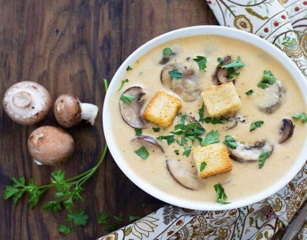 Sopa de Setas con Queso