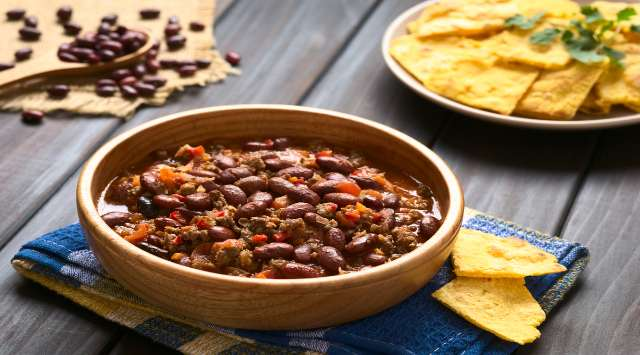 Sopa de Frijoles Mexicana