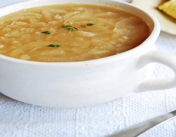 Sopa de cebolla sin pan