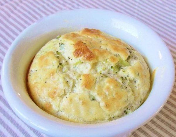 Soufflé de queso y brócoli