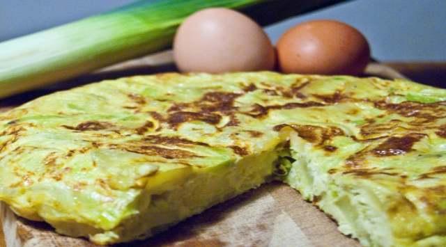 Tortilla de Patatas con Cebolla y Puerro
