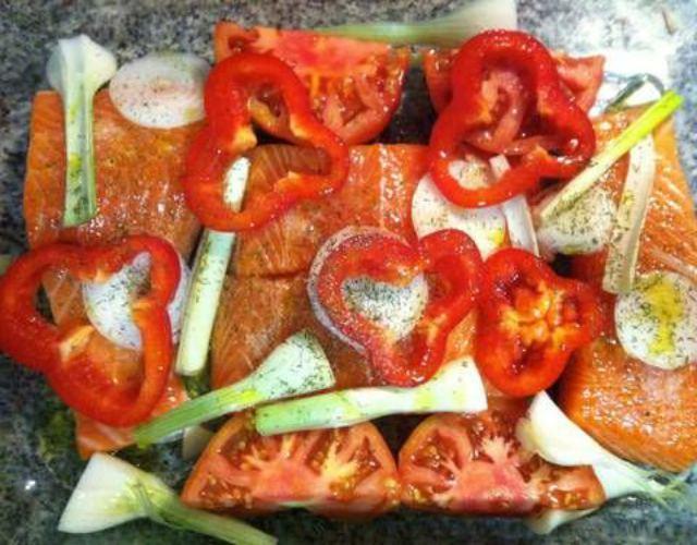 Receta de Salmón con tomates