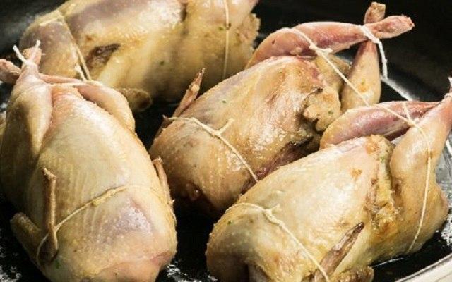 Codornices rellenas de foie