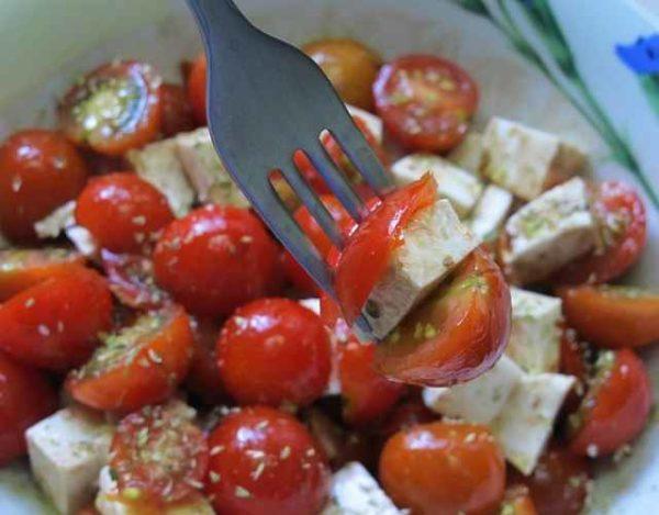 Ensalada con tomates cherry