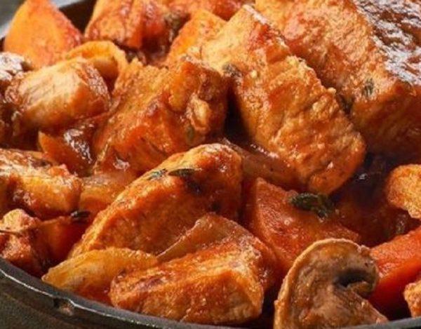 Estofado de cerdo con champiñones