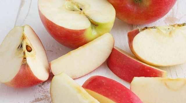 Ensalada de manzana y pasas