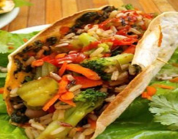 Fajitas de verduras con arroz