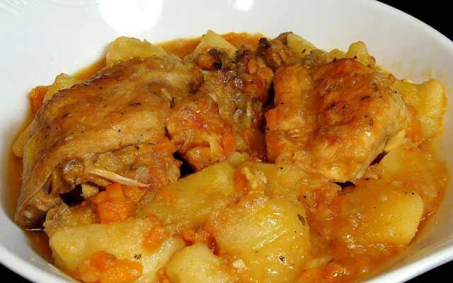 Estofado de pollo con patatas