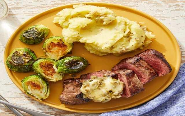 Coles de Bruselas con Puré de Patatas