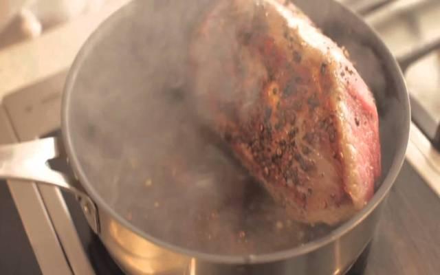 Choclillo relleno con papas cocidas
