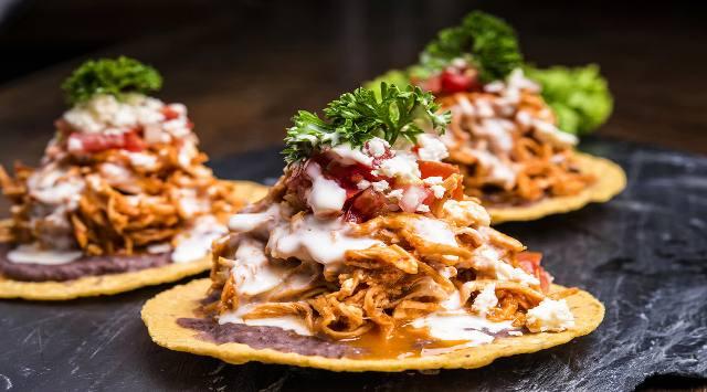 Tostadas Mexicanas de Pollo