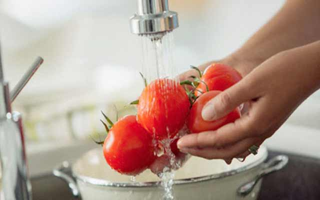 Ensalada de tomate y pimiento asado